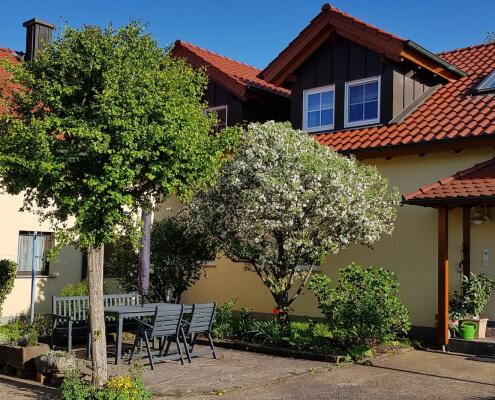 Ferienwohnung Sonnenblume Terrasse und Eingang